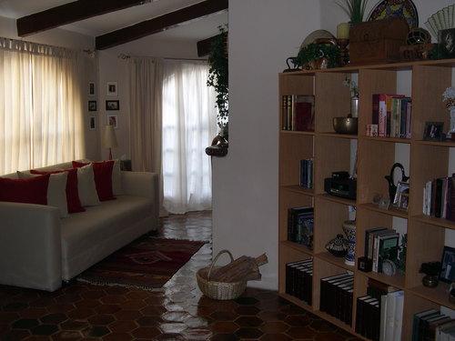 (c) Living Room